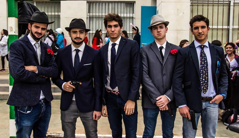 Alumnos caracterizados como los personajes de El Padrino.