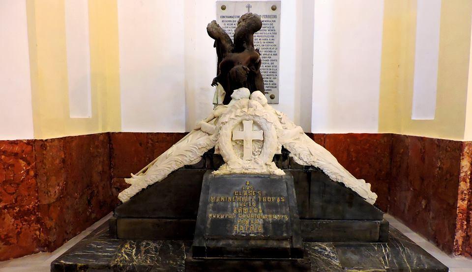 Monumento en memoria de los soldados y clases muertos en la guerra colonial.