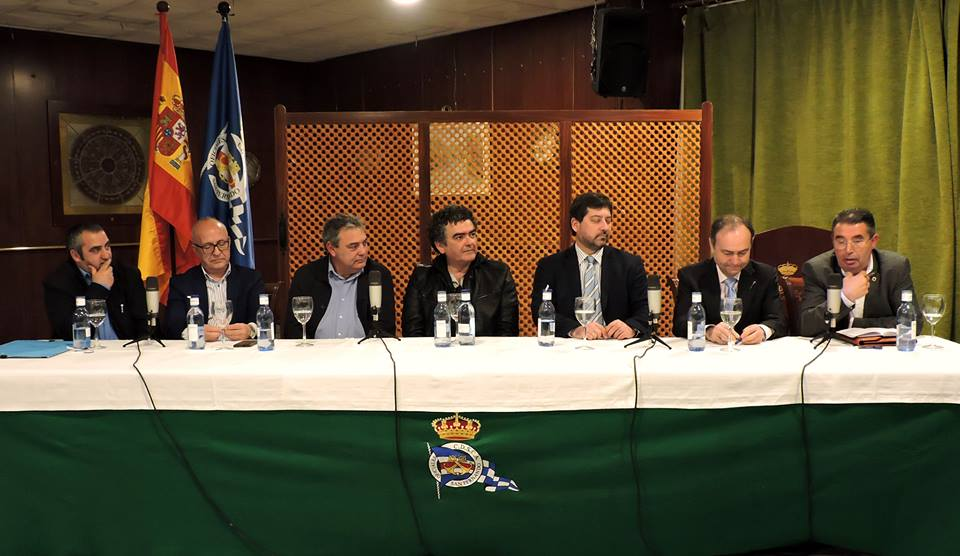 De Ida. a Dcha.: Domínguez Vidal, Correa Forero, Pérez Bey, Aparicio Mota, Moreno Fraile, Romero Ruiz y Moreno Olmedo.