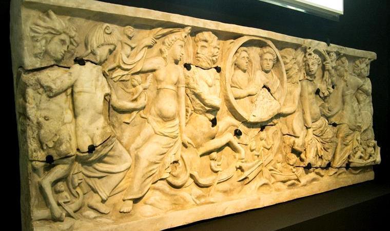 El sarcófago romano del marqués de la Cañada, reconstruido. Foto: Museo Arqueológico de Jerez.