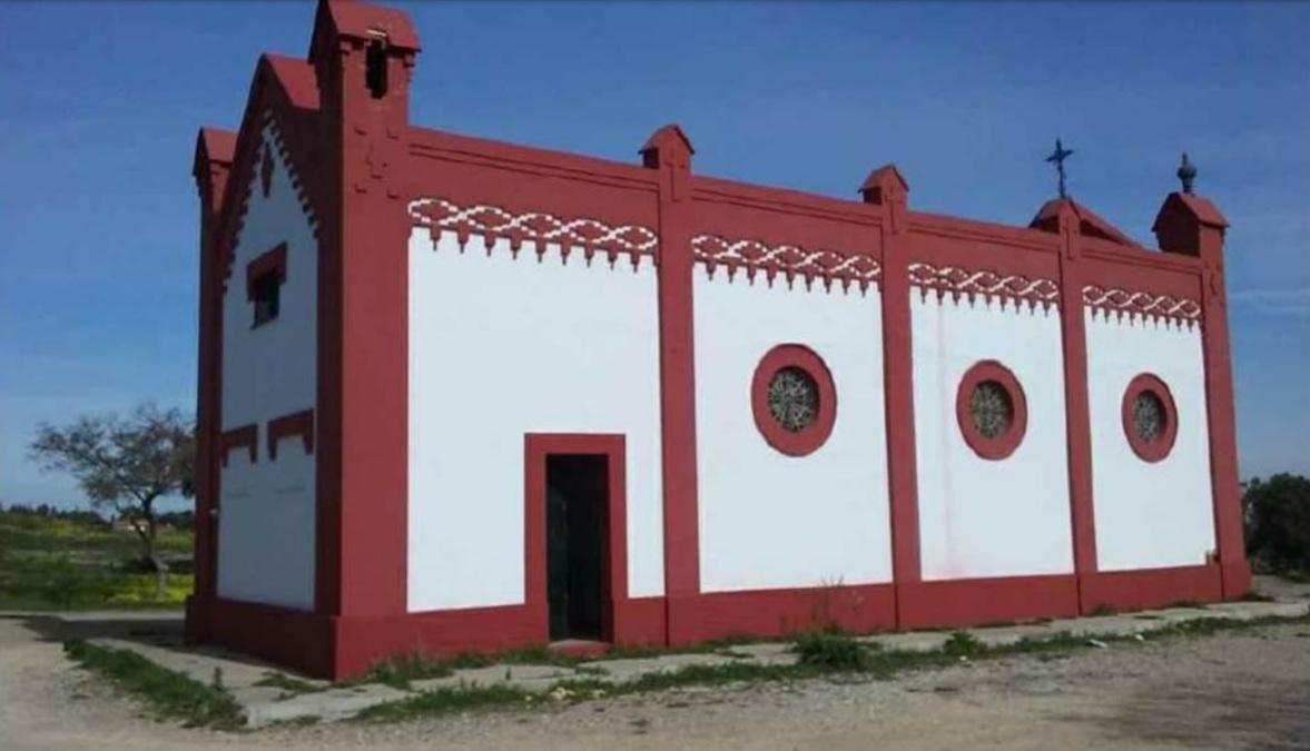 Uno de los laterales de la ermita en la actualidad.