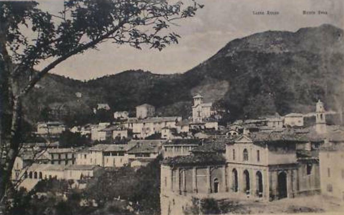 Panorámica de la villa italiana de Viggiù, donde nació Augusto Franzi, a principios del siglo XX.